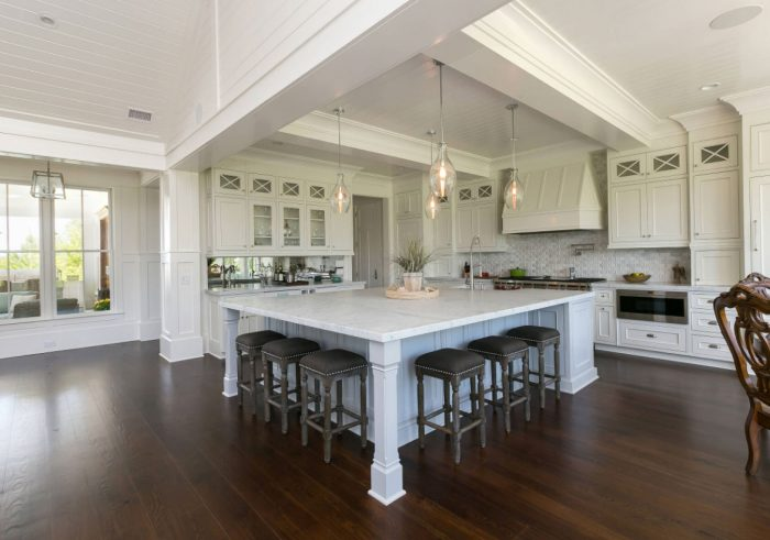 Kitchen Island Ideas u2013 Having big size kitchen is a dream of most of cooking lovers. Big kitchen will make them easily move around and prepare the food. & 25+ Kitchen Island Ideas with Seating u0026 Storage » Jessica Paster