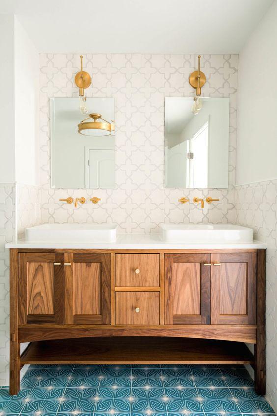 Best 25 bathroom jack and jill ideas jessica paster - Jack and jill sinks ...