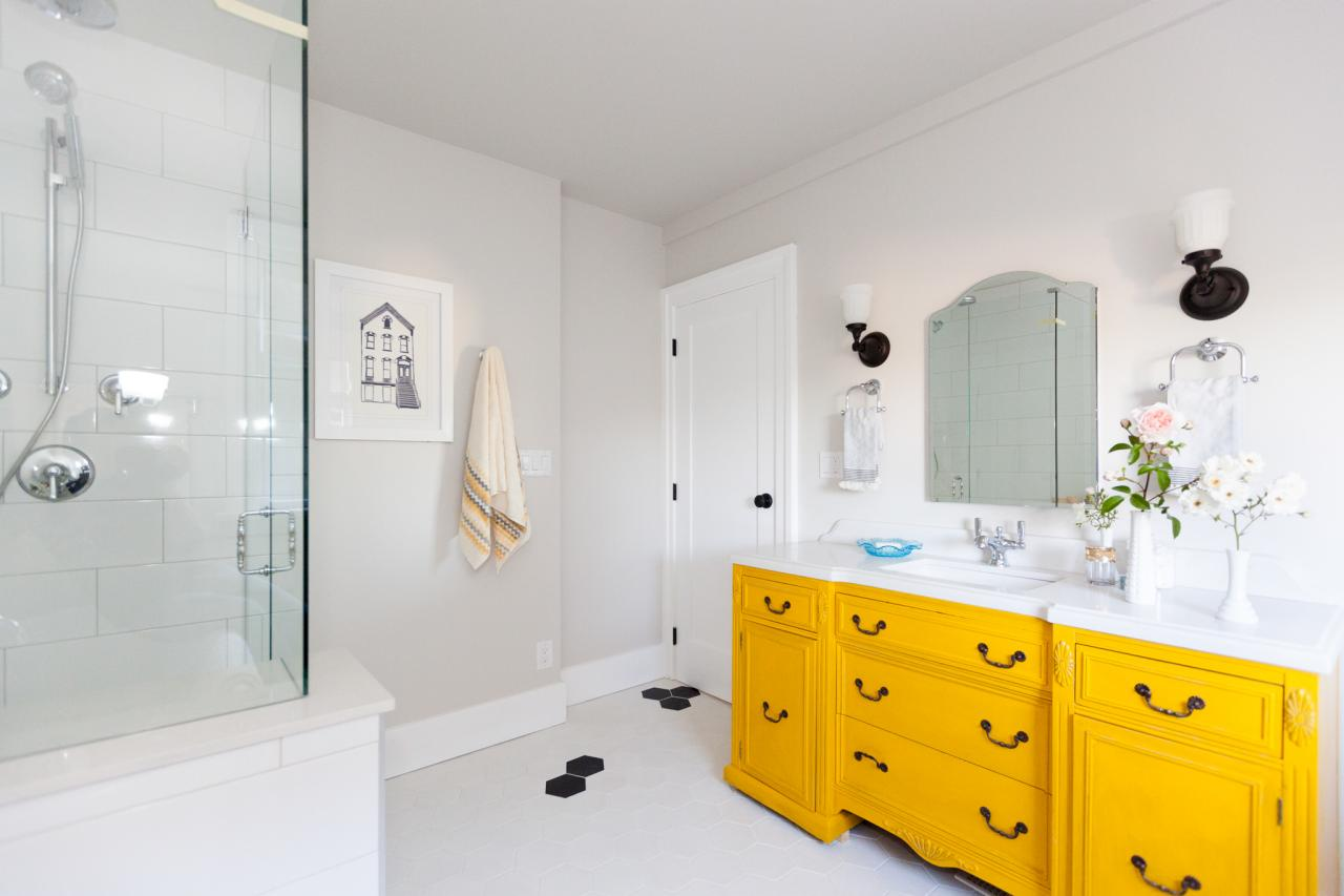 Best 25+ Bathroom Jack and Jill Ideas | Jessica Paster