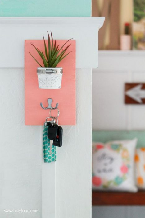 key holder with plants